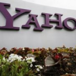 Yahoo expands sharing of stories through Facebook